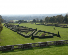 Cliveden - the Parterre: Arc 9